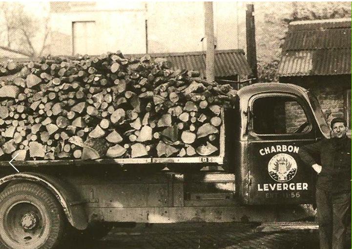 Leverger combustibles 1949 livraison de bois de chauffage bûches de bois et charbon